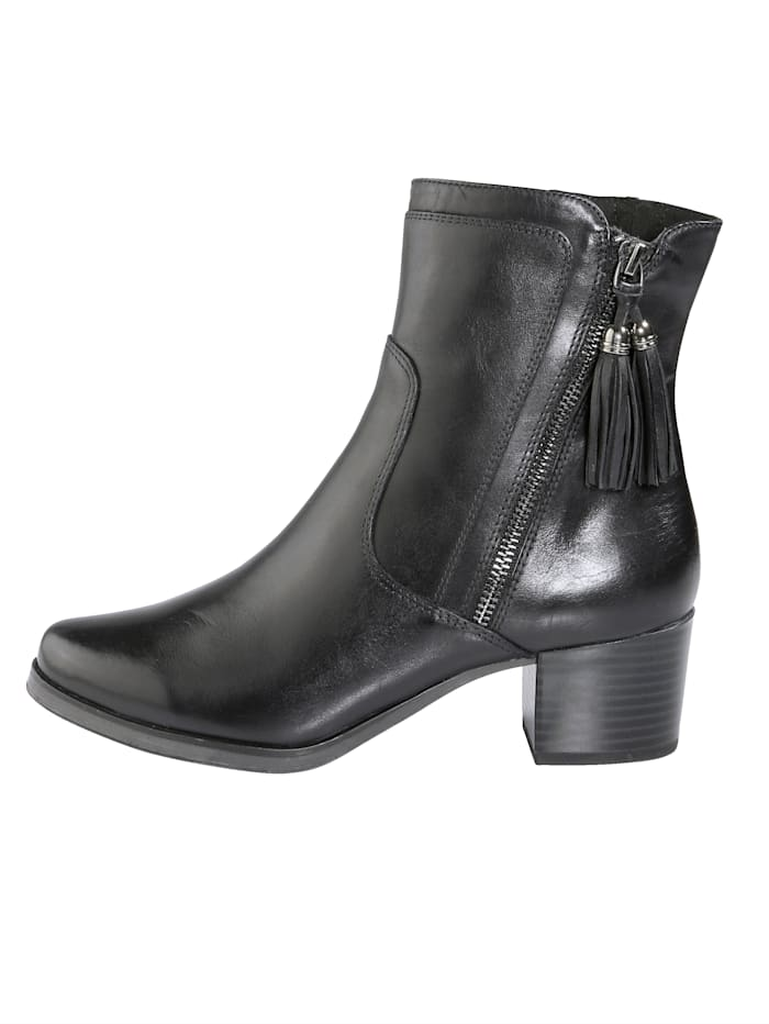 Ankle boots in a sophisticated finish
