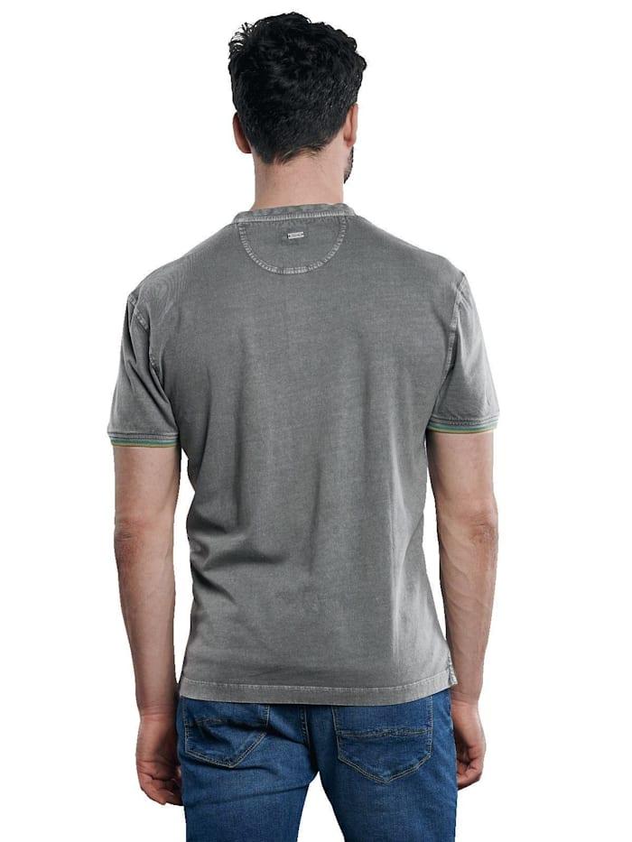T-Shirt im Henleystyle