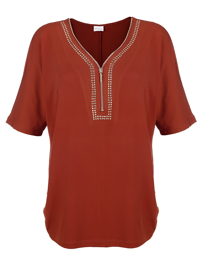Shirt van elastisch slinkymateriaal