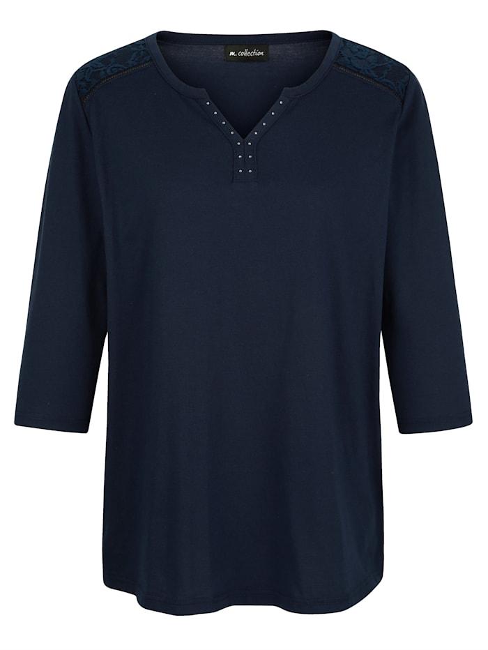 m. collection Shirt mit Spitze im Schulterbereich, Marineblau