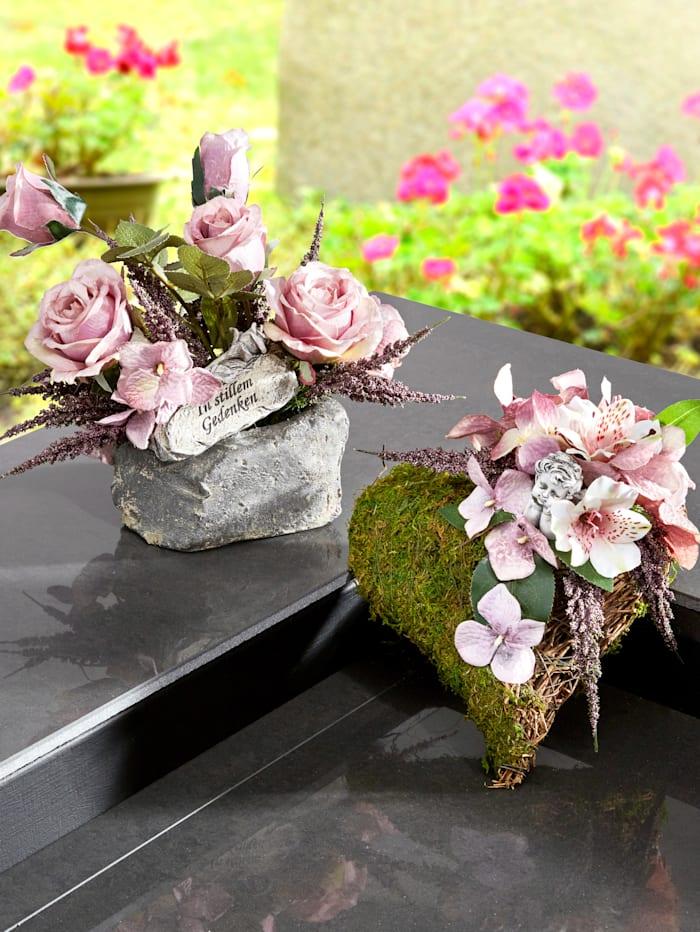 Rosenarrangement auf Stein, Mehrfarbig