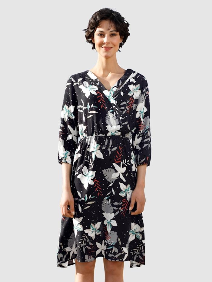 Dress In Kleid in Wickeloptik, Schwarz
