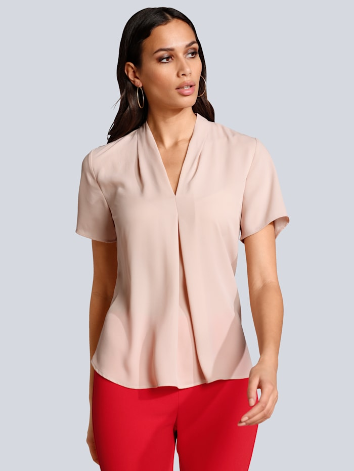 Bluse mit leicht vertieftem V-Ausschnitt