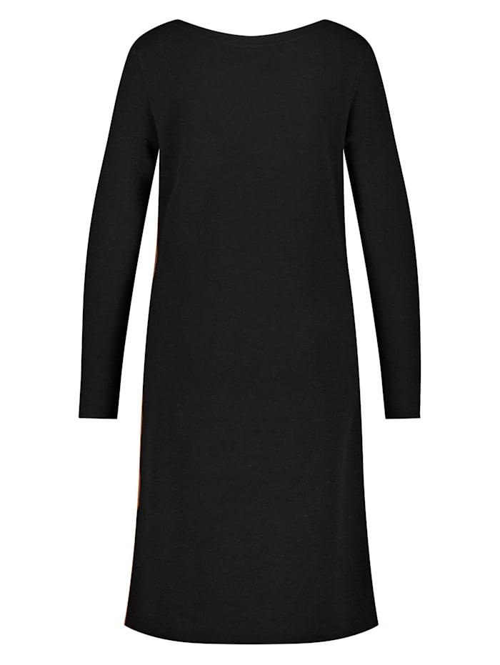 Kleid aus feinem Strick