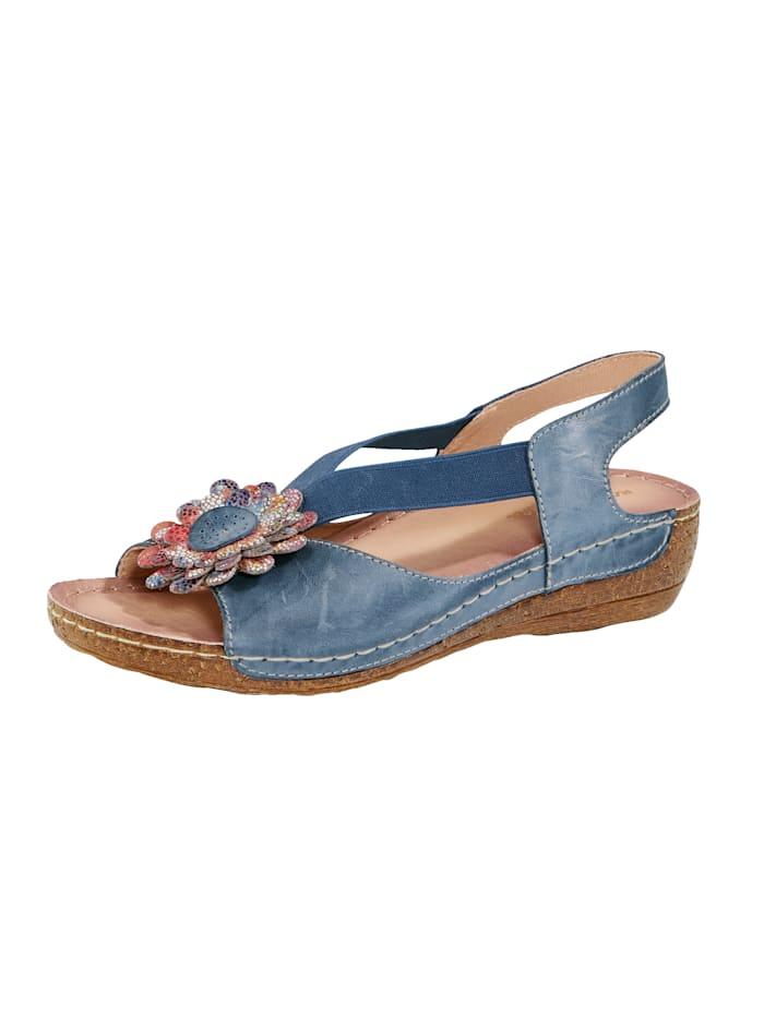 Sandaler med blomapplikation