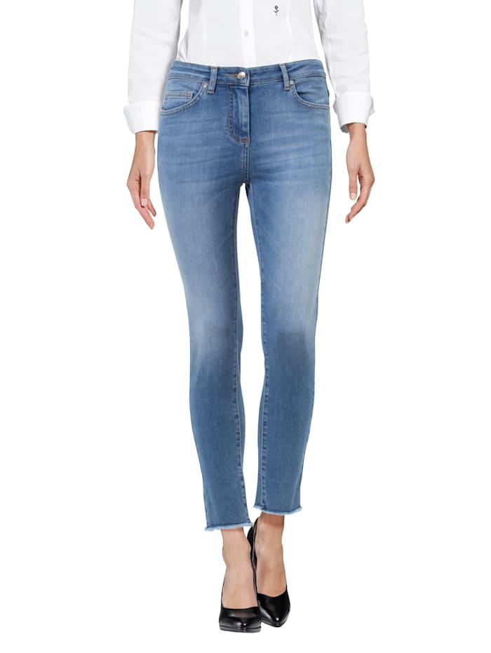 Jeans mit offenen Saumkanten
