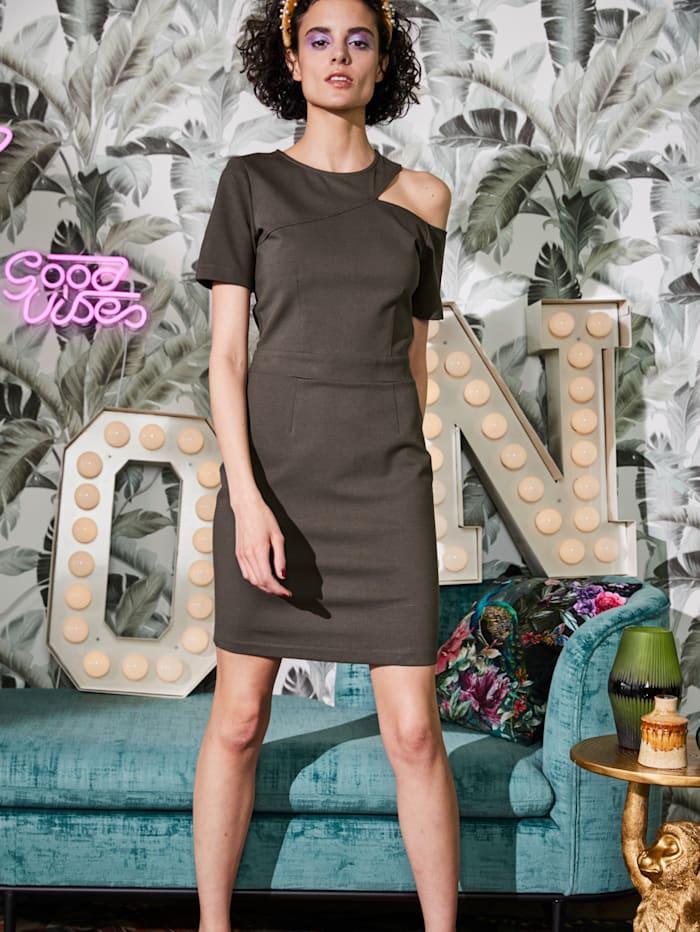 Kleid mit Cut-Out