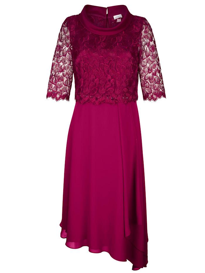 Kleid mit Spitzenbolero