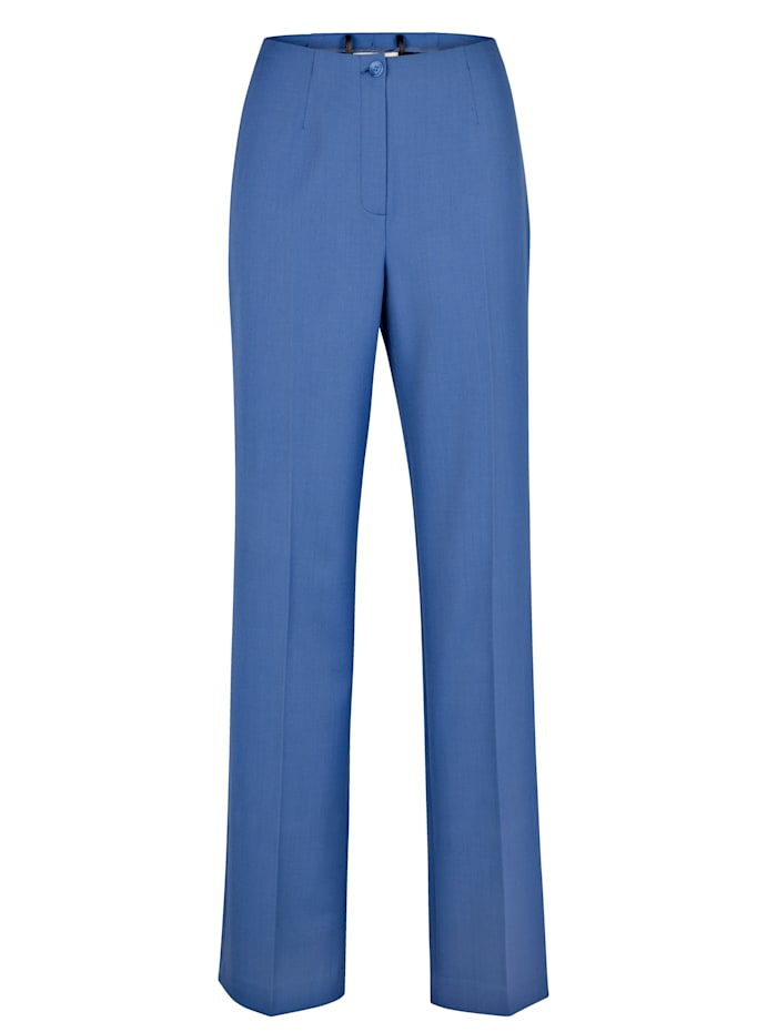 Classic leg trousers made from two-way stretch fabric