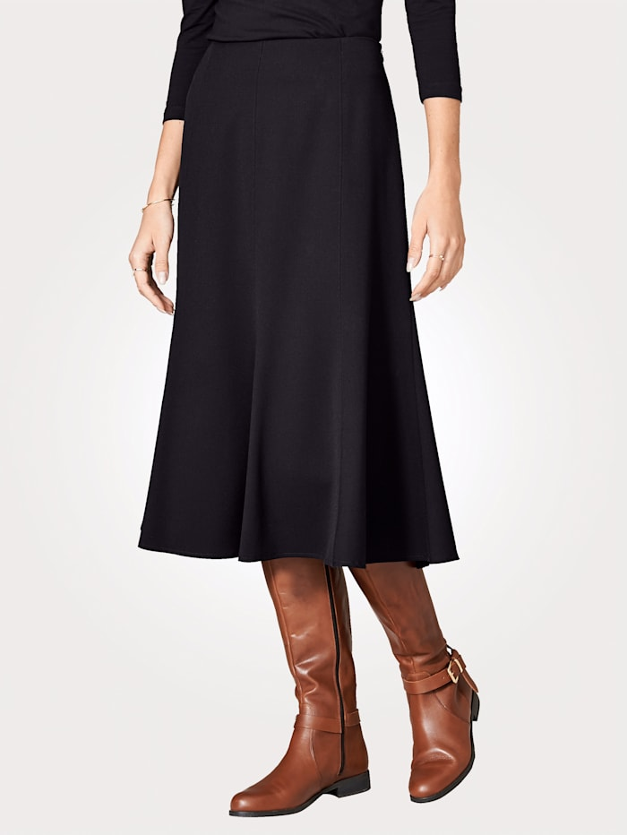 Skirt in a two-way stretch fabric