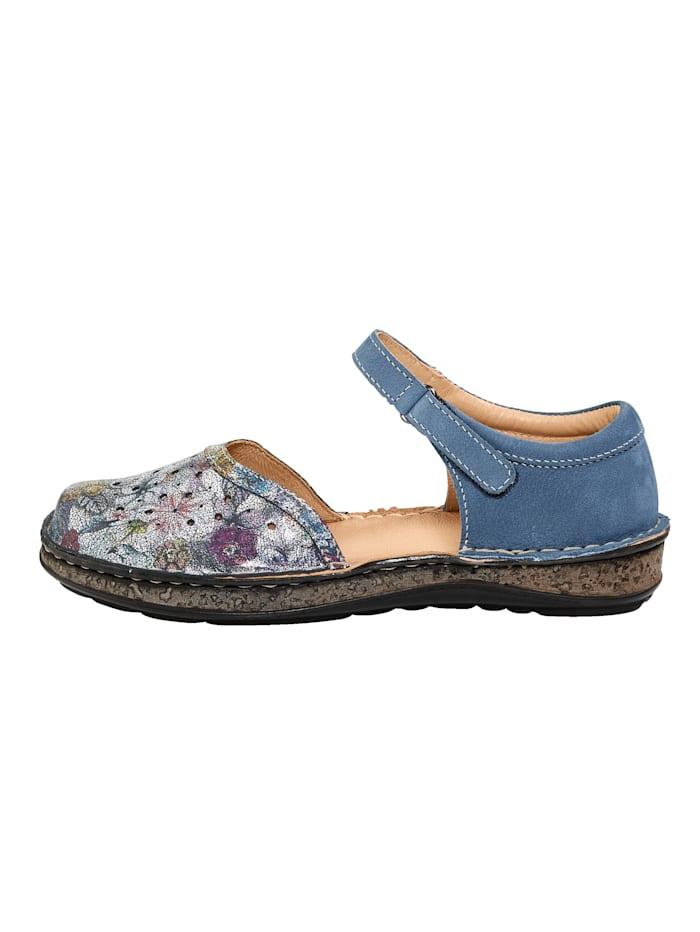 Sandaaltje met zomerse perforaties