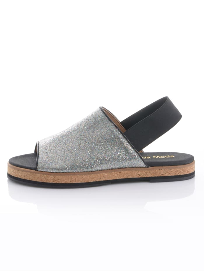 Sandaaltje in peeptoemodel