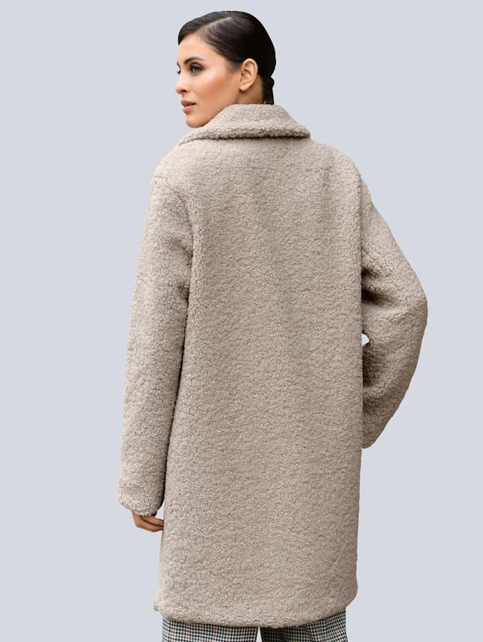 Kabát z jemného teddy materiálu