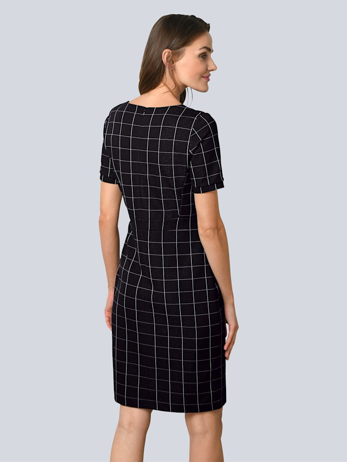 Kleid aus besonderem Materialmix