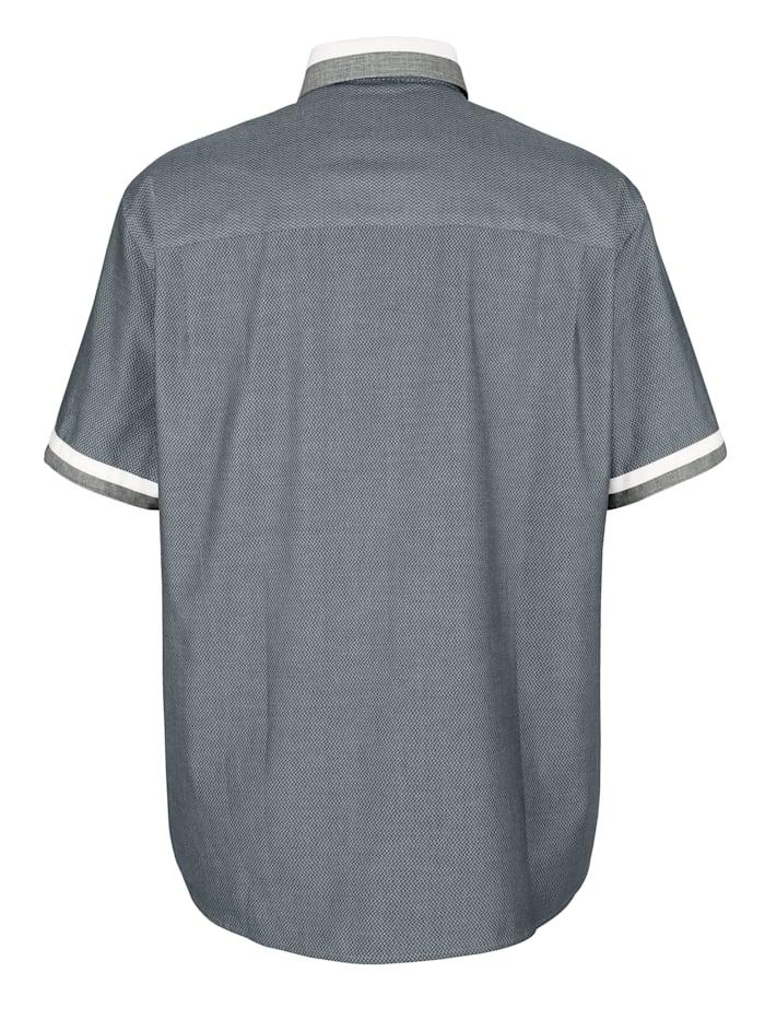 Skjorta med kontrasterande button down-krage