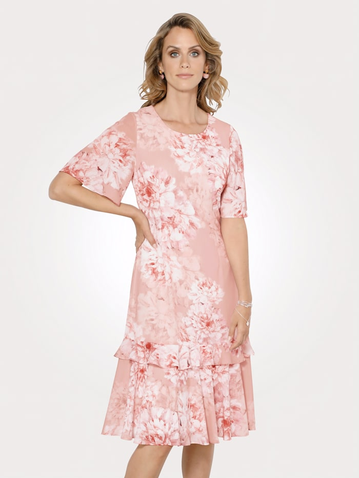 Dress in a floral print