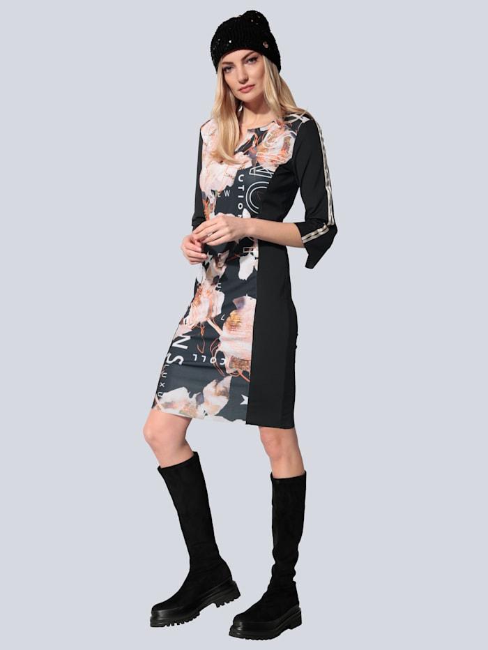 Kleid mit offenen Kanten