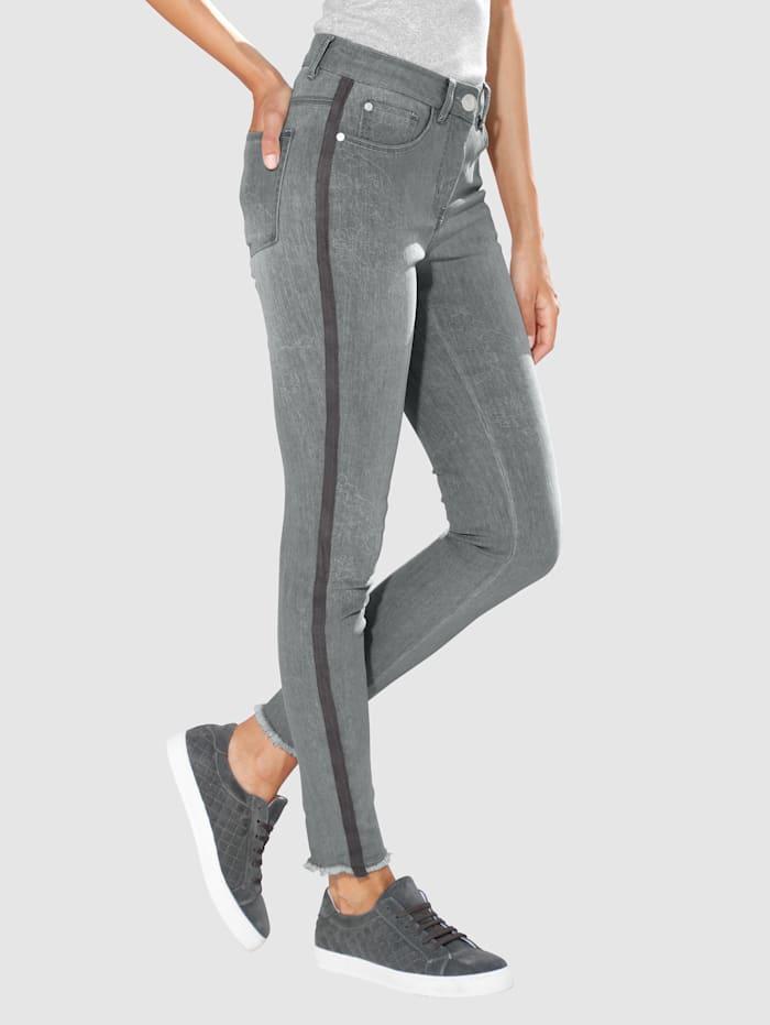 Jeans Laura Extra Slim - mit Fransen am Beinabschluss