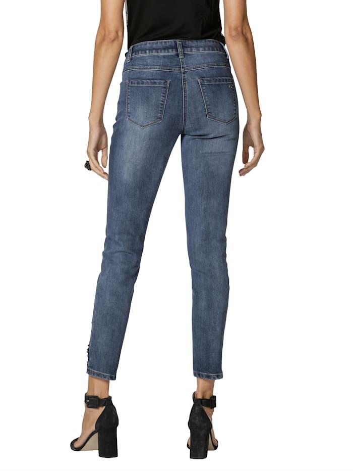 Jeans mit Perlen- und Paillettendekoration
