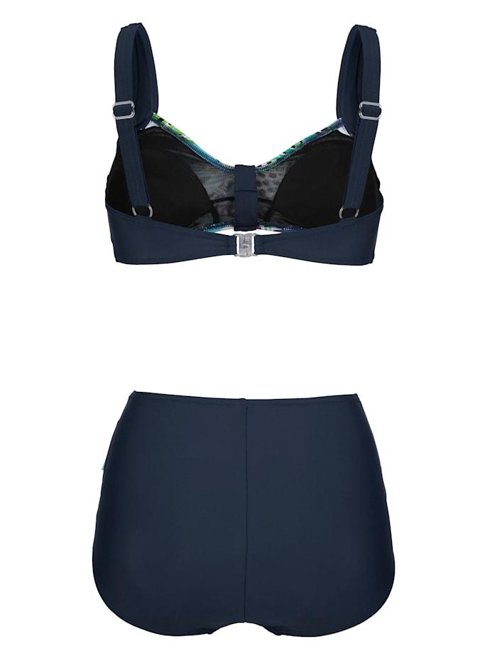 Bikini in elegant wikkelmodel
