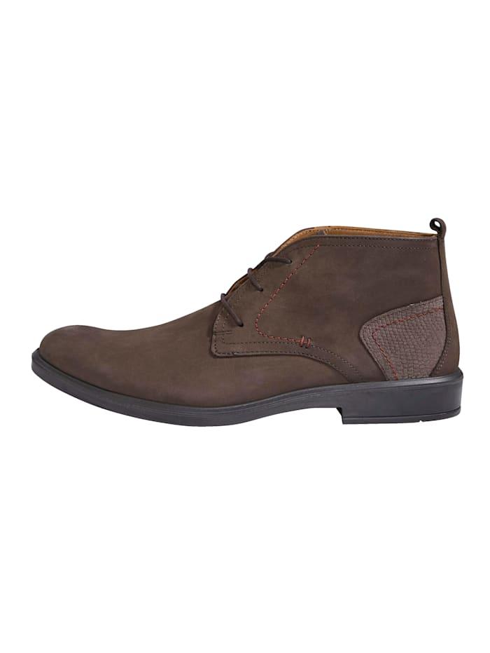 Šnurovacia obuv s praktickým pútkom