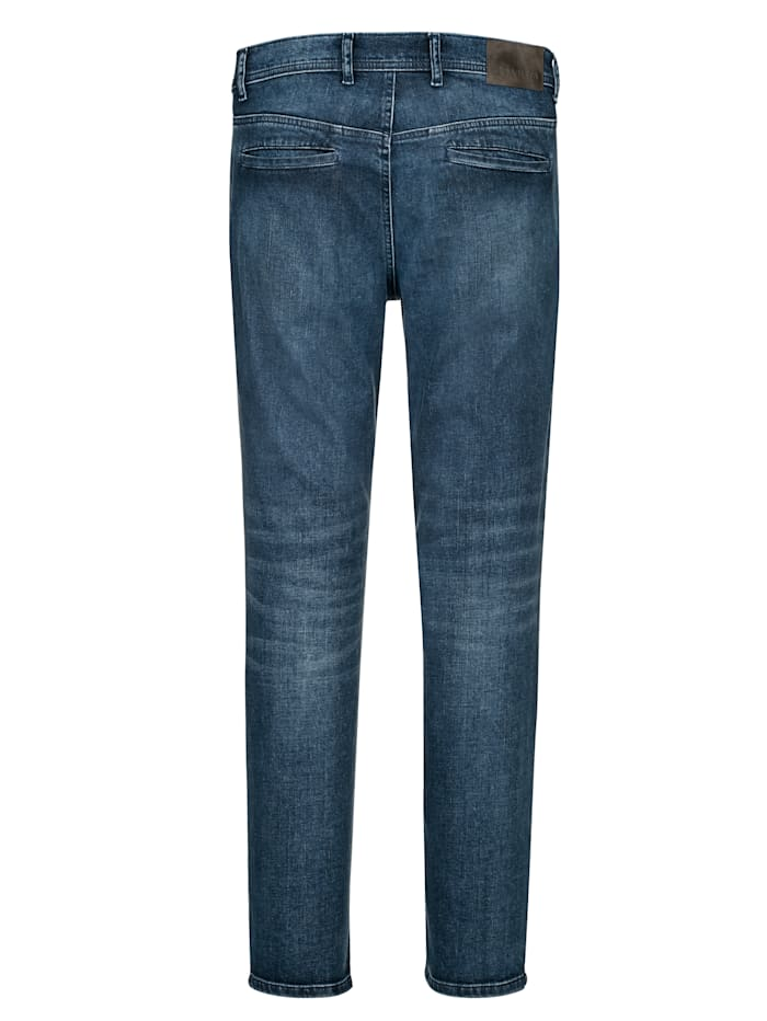 Jeans in chinomodel