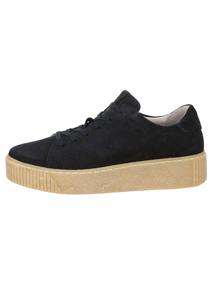 Platform trainers in a chic design