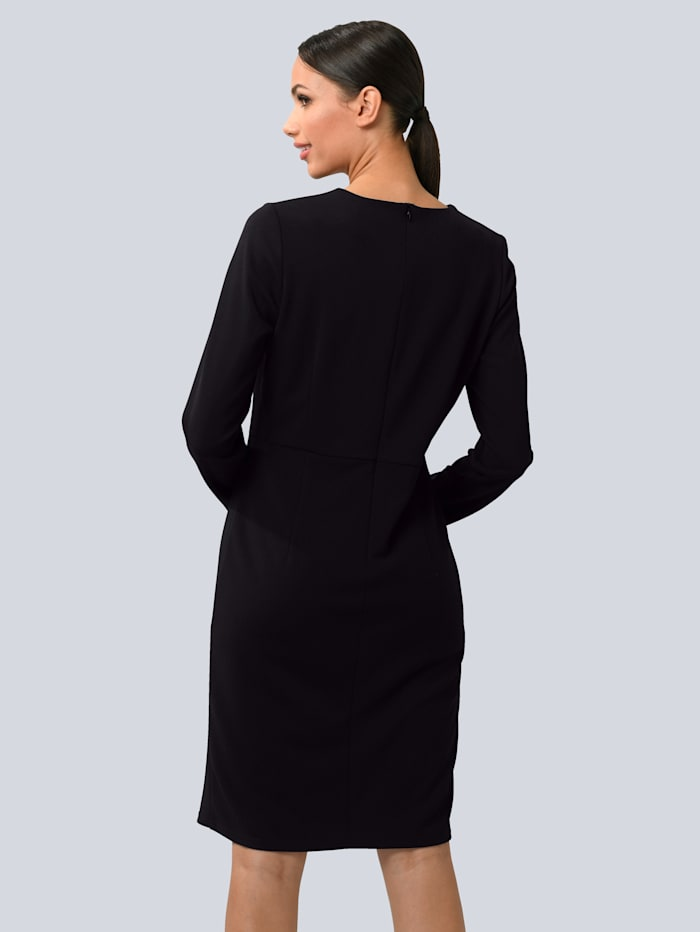 Kleid mit Bewegungsschlitz