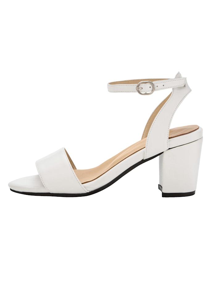 Sandále v trendovom vzhľade