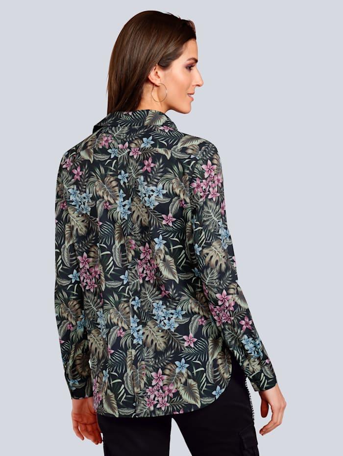 Bluse im modischen Blumendruck