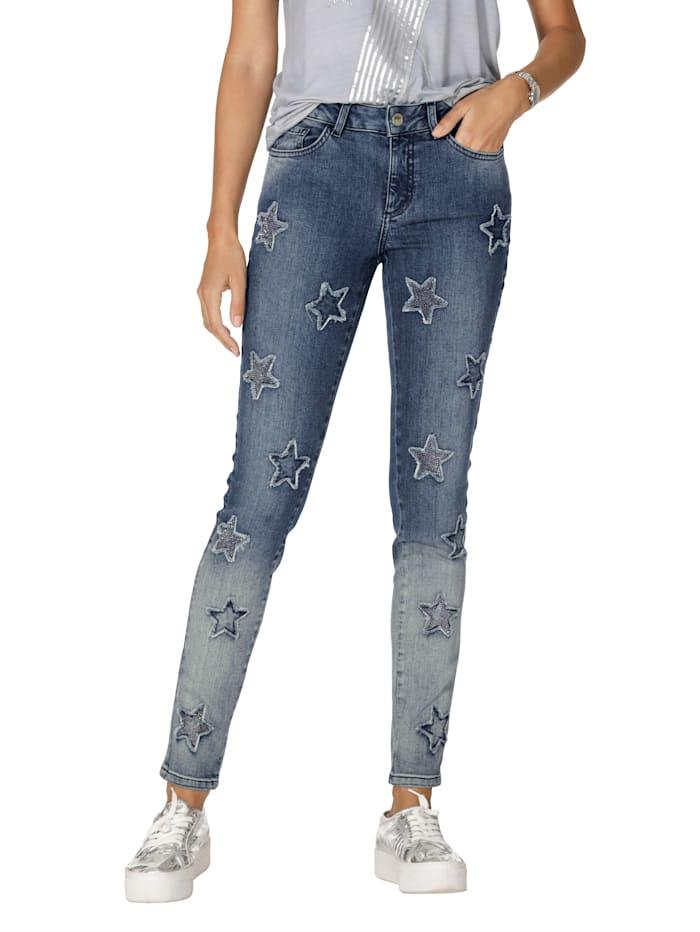 Jeans mit Sternen allover und Strasssteindekoration im Vorderteil