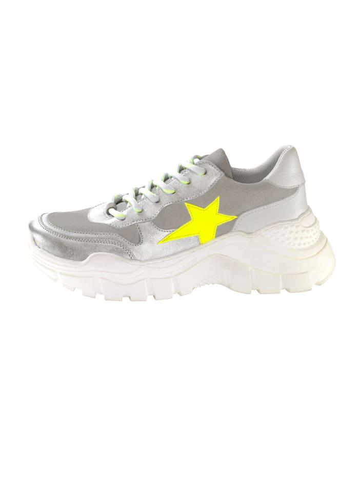 Sneaker met sterapplicatie