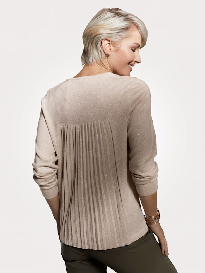 Jumper with pleating