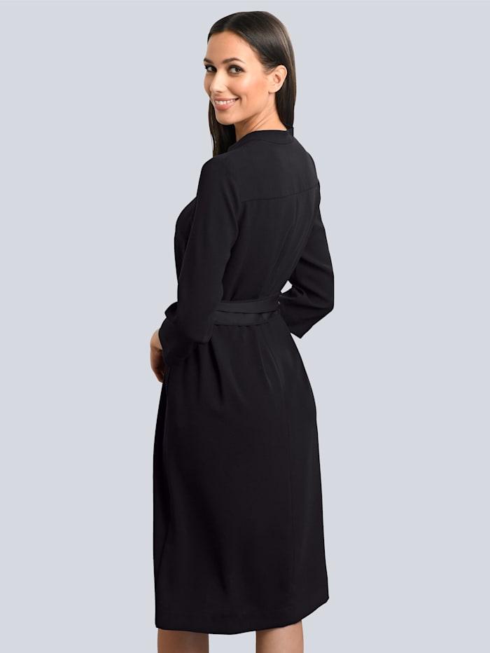 Kleid in klassischer Schnittführung