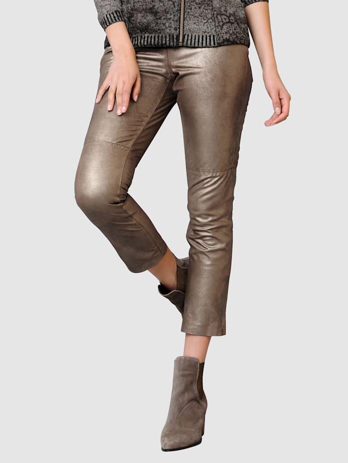 Alba Moda Lederhose aus hochwertigem weichem Ziegenleder, Goldfarben