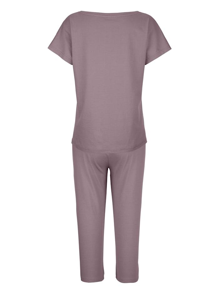 Pyjamas med romantiska rosor