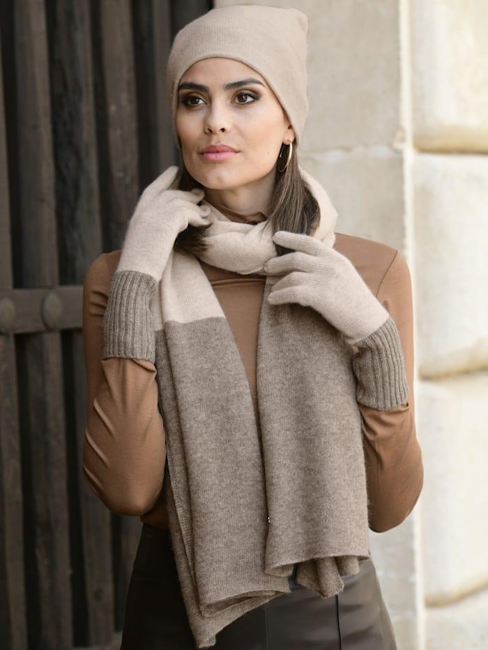 Schal aus kuscheligem Kaschmir