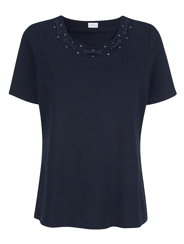 Shirt mit aufwendiger Zier am Ausschnitt