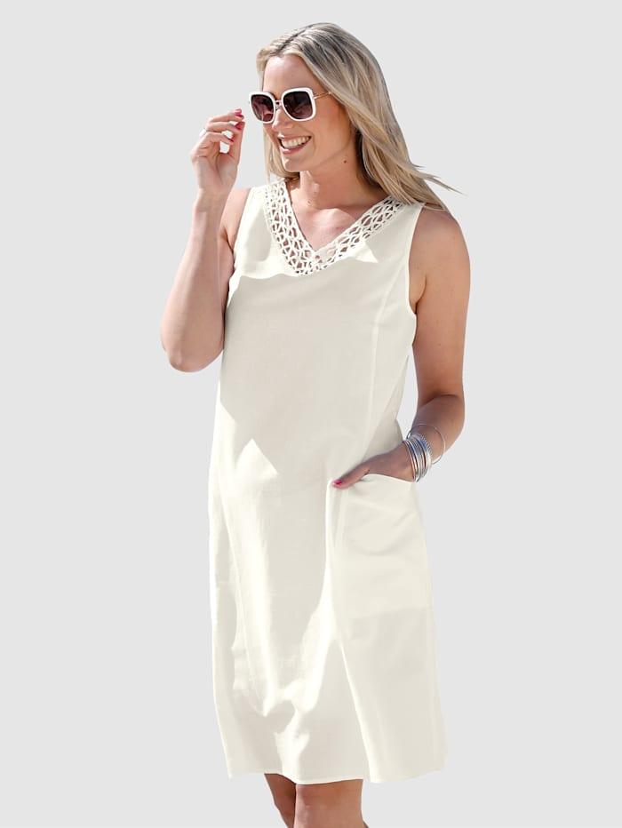 Kleid aus Baumwoll-Leinen Material