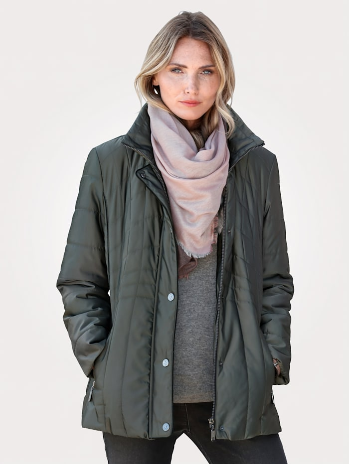 Jacket with a subtle shimmer