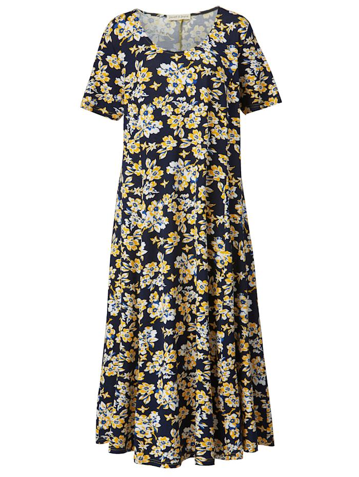 Maxi šaty v mírněrozšířeném střihu