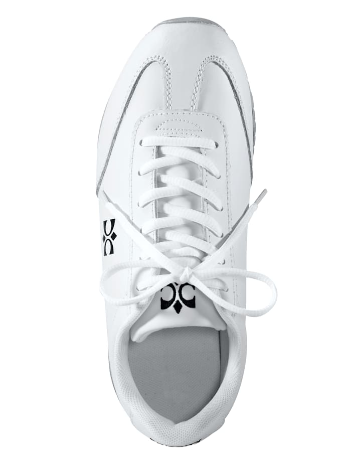 Lace-up shoes in a sporty design