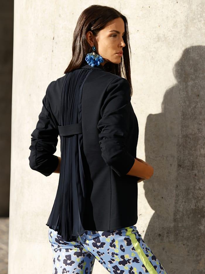 Jerseykavaj med plisserade veck i ryggen