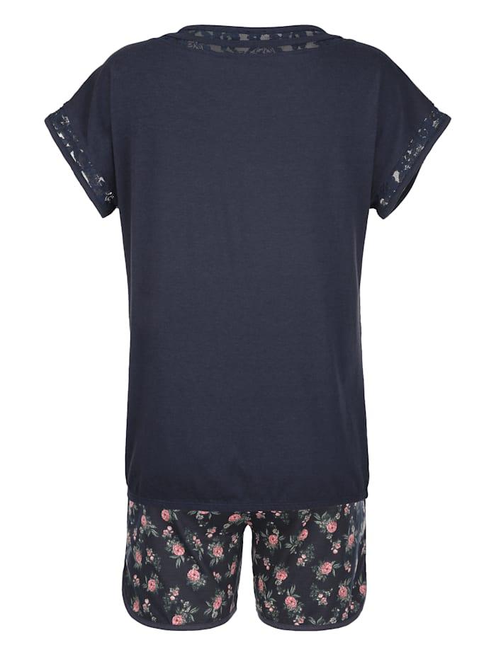 Pyjashort à épaules dépassantes