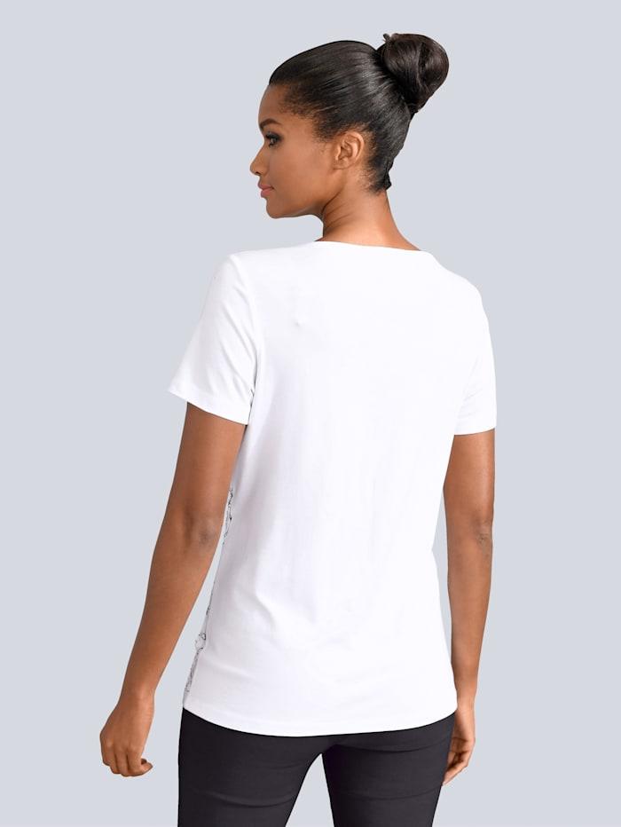 Shirt mit kleinen Cut-Outs am Ausschnitt