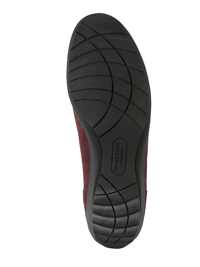 Loafertyyliset kengät