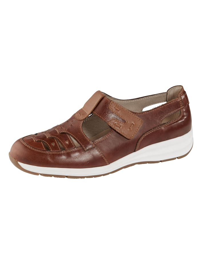 Naturläufer Shoes with chic cutout detailing, Brown