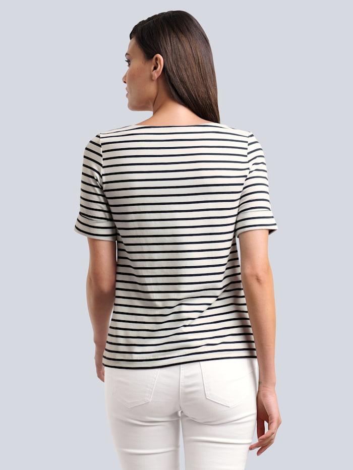 Shirt in schönem Streifendessin allover