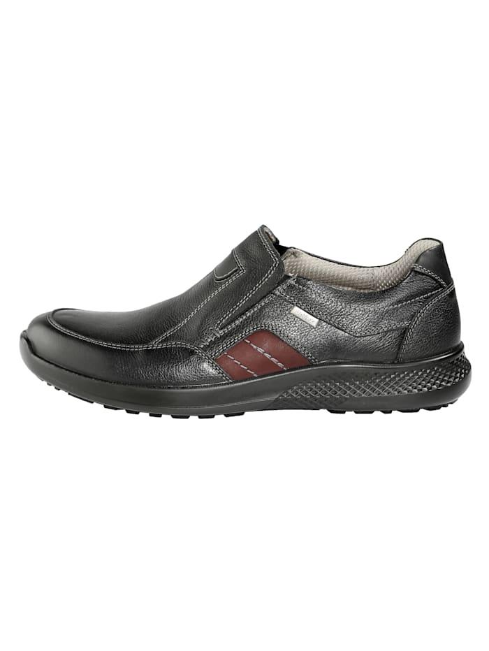 Säänkestävät leveälestiset kengät