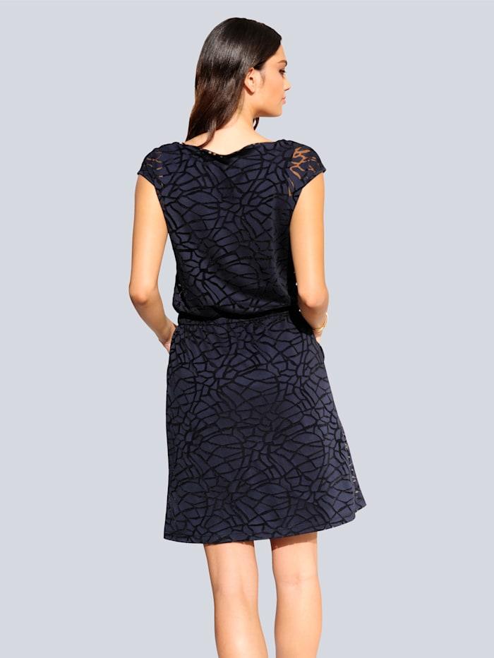Kleid aus Oberstoff im angesagten Ausbrenner